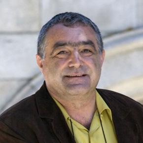 Carlos Vales.